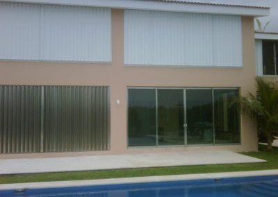 cortinas-anticiclonicas-tipo-acordeon-de-aluminio-10