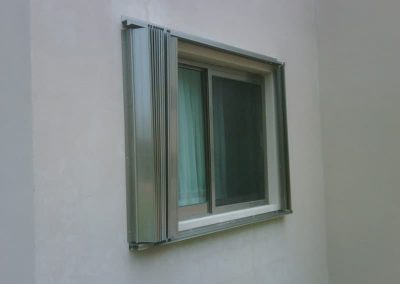 cortinas-anticiclonicas-tipo-acordeon-de-aluminio-14