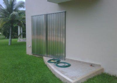 cortinas-anticiclonicas-tipo-acordeon-de-aluminio-15