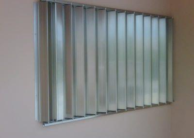 cortinas-anticiclonicas-tipo-acordeon-de-aluminio-17
