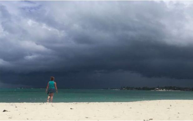 Huracán acercandose a Bahamas